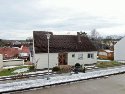 Dank Unterstützung von Herr Schöffmann und Herr Dilger verkauftes Einfamilienhaus mit Garten.